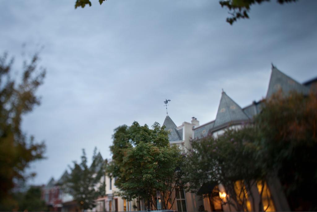 Neighborhoods that Change with Families