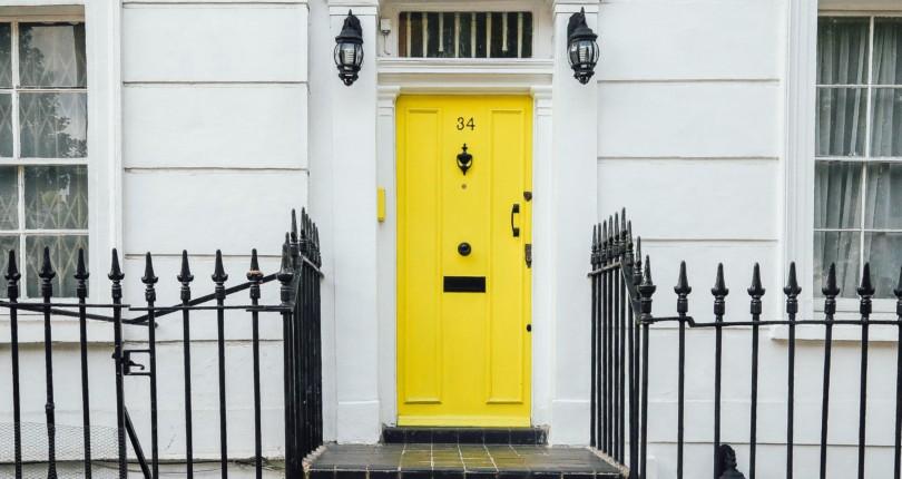 Should I Buy a Foreclosure?